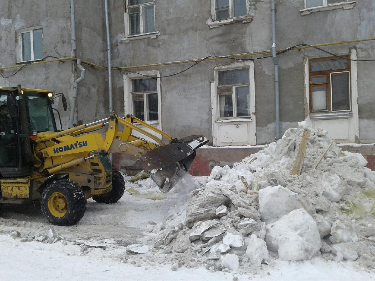 Омские чиновники считают, что управляющие компании оперативно убирают снег #Новости #Общество #Омск