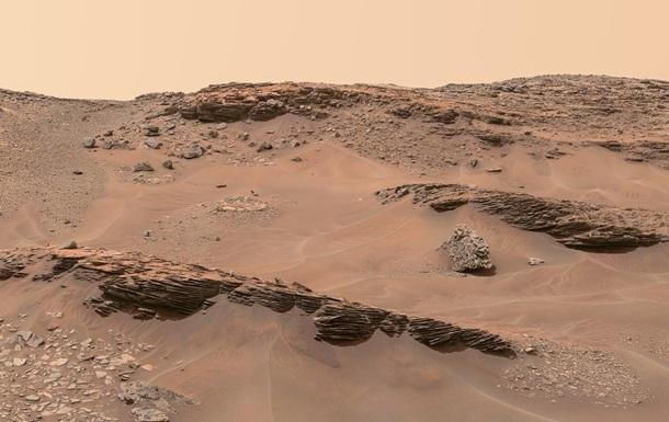 """NASA предлагает людям сделать фото """"на Марсе"""""""