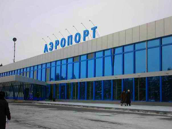 В Омске из-за урагана не смогли приземлиться 5 самолетов #Новости #Общество #Омск