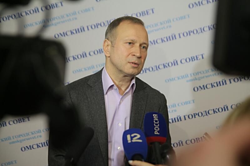Омского депутата Федотова 3 часа лишали мандата #Омск #Общество #Сегодня