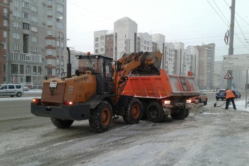 Мэрия призвала омичей не гонять из-за нечищеных дорог #Омск #Общество #Сегодня