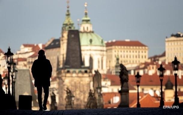 Чехия второй раз за месяц продлевает режим ЧС