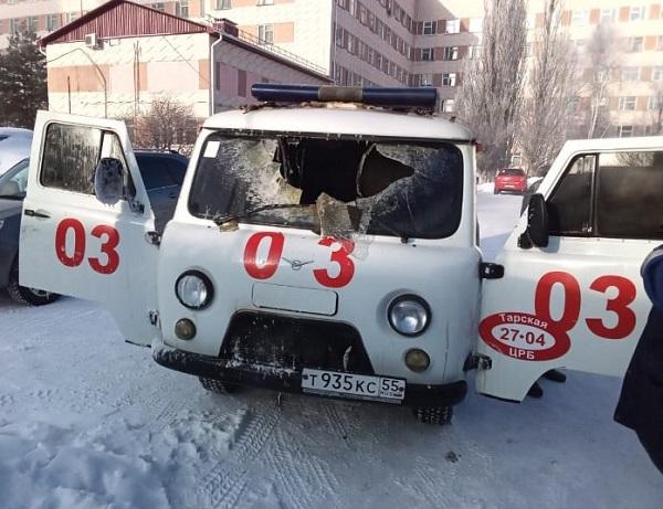 У Тарской ЦРБ сгорела машина скорой помощи #Новости #Общество #Омск