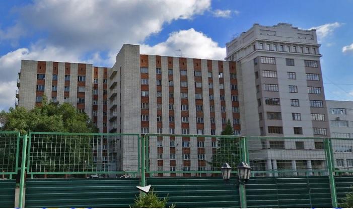 В Омске студентка упала с 8-го этажа общежития и выжила #Новости #Общество #Омск