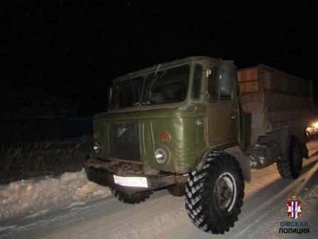 Спасая машину, омич угнал грузовик: теперь ему грозит тюрьма #Омск #Общество #Сегодня