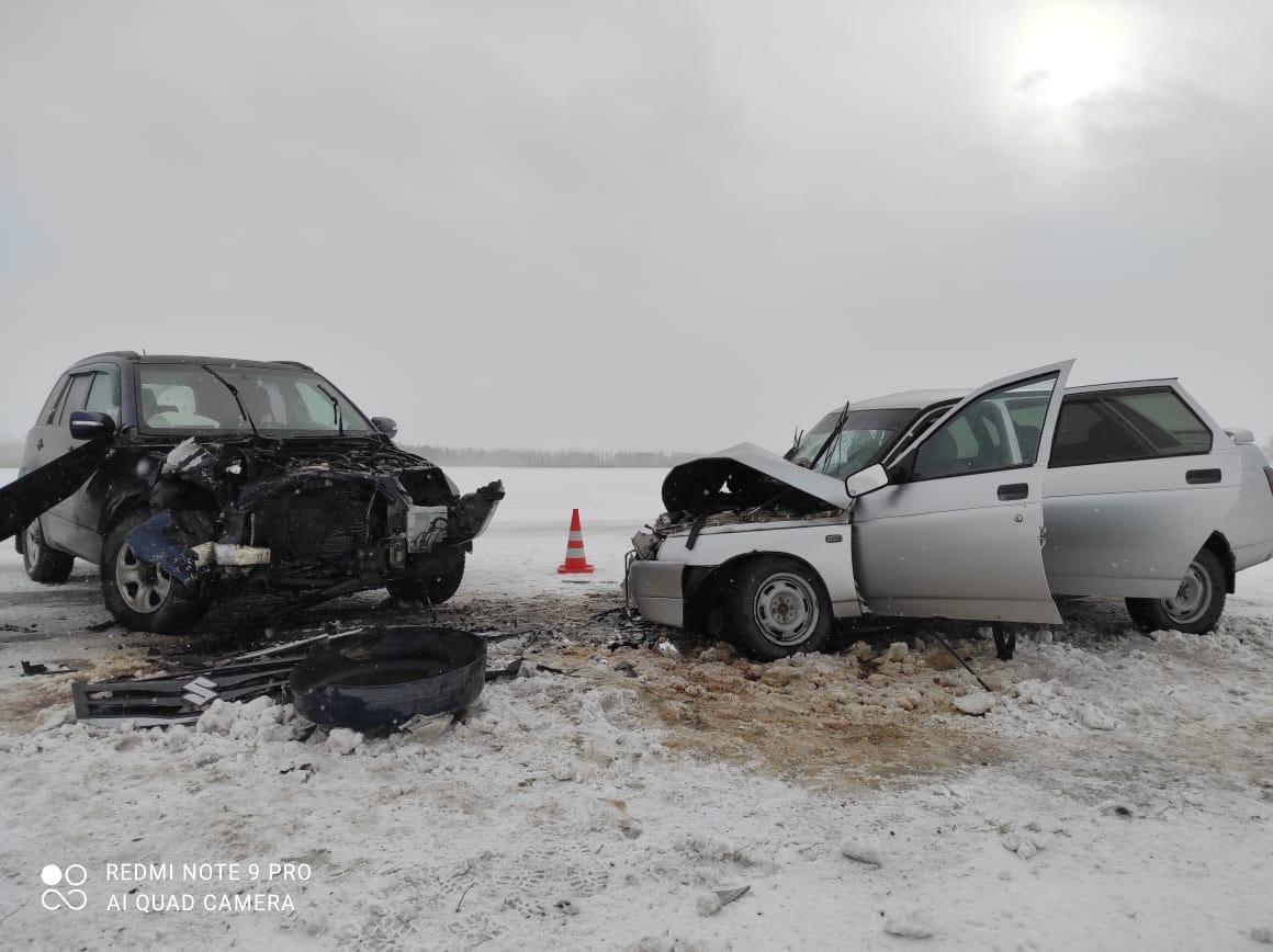 В лобовом ДТП на омской трассе пострадали две девушки #Омск #Общество #Сегодня