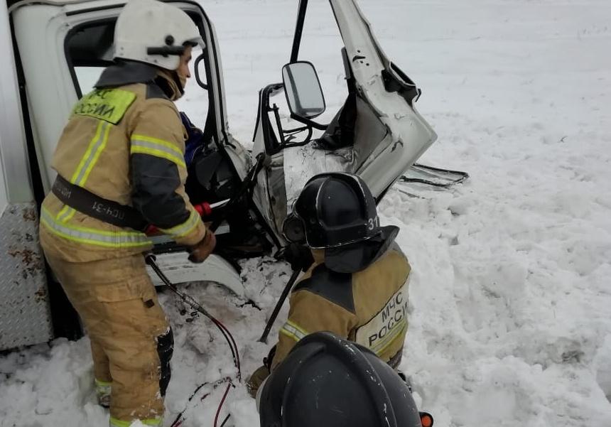 Омским спасателям пришлось вызволять 14 человек, заблокированных снегом #Новости #Общество #Омск