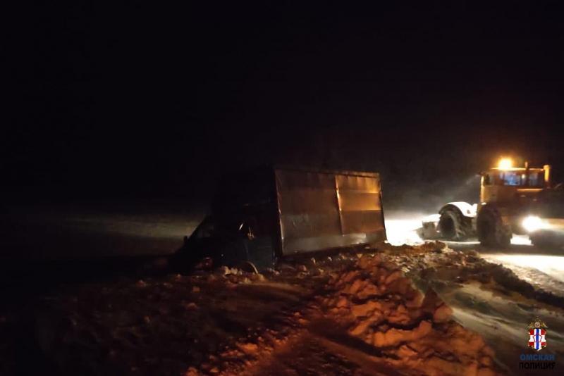 В Омской области спасли из снежного плена замерзшего водителя Газели #Новости #Общество #Омск