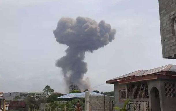 Сотни человек были ранены в результате взрывов на военной базе в Гвинее