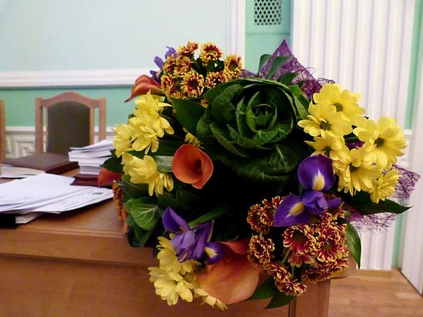 В Омске существенно подорожали цветы #Омск #Общество #Сегодня