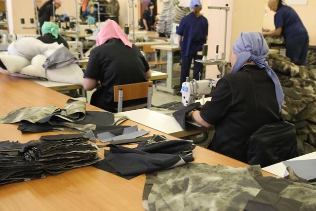 Российским заключенным в тюрьмах за год подняли зарплату на 11 % #Омск #Общество #Сегодня