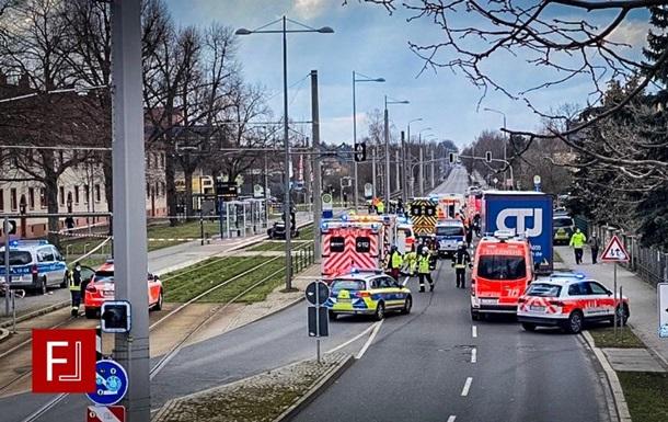 В Лейпциге автомобиль наехал на группу людей: есть жертвы