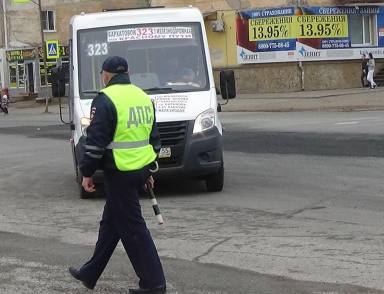 Из-за водителей омских автобусов с начала года более 20 человек получили травмы #Новости #Общество #Омск