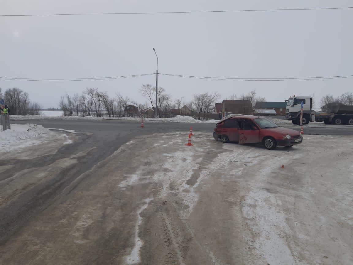 В ДТП под Омском, произошедшем из-за девушки-водителя, пострадали 4 человека #Новости #Общество #Омск