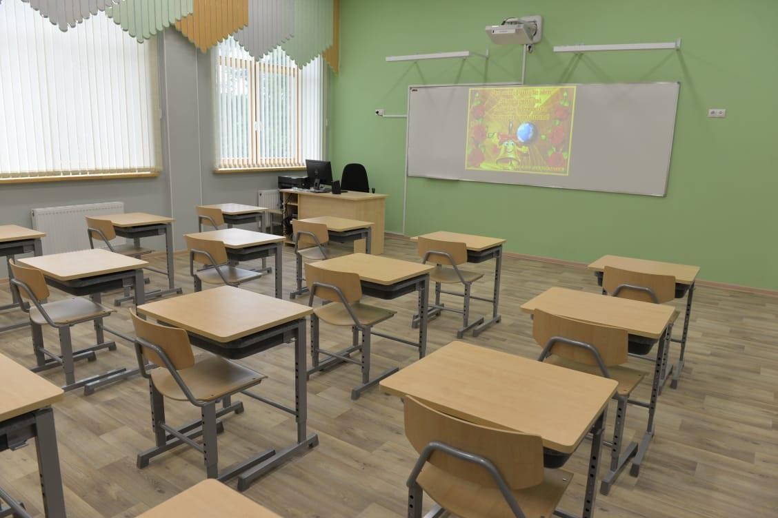 Под Омском школьного учителя обвинили в избиении ребенка #Омск #Общество #Сегодня