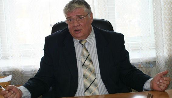 Отец мэра Фадиной устроился в омское УДХиБ на зарплату 80 тысяч #Новости #Общество #Омск