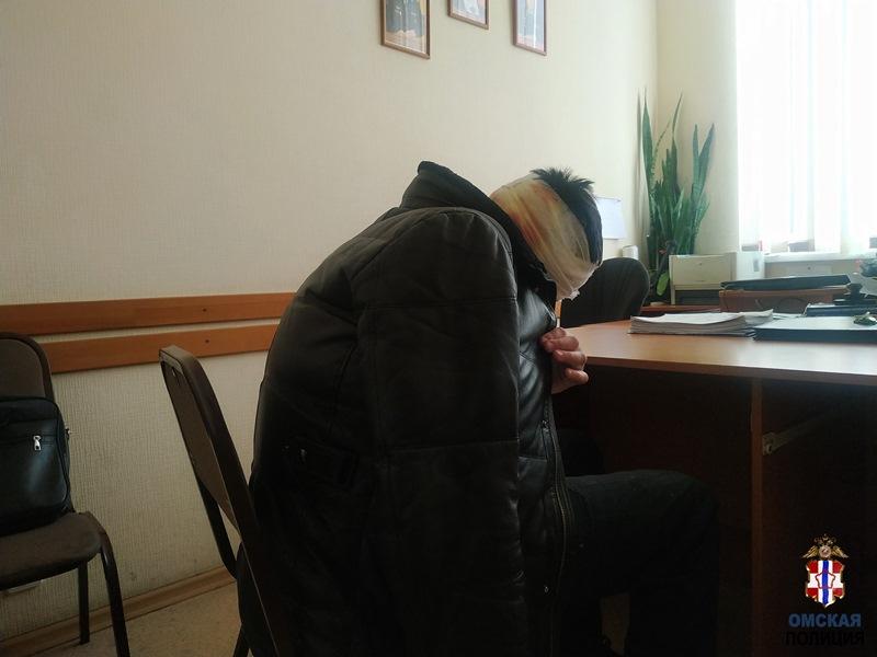 Рецидивист напал на омичку в подъезде дома на Левобережье #Новости #Общество #Омск