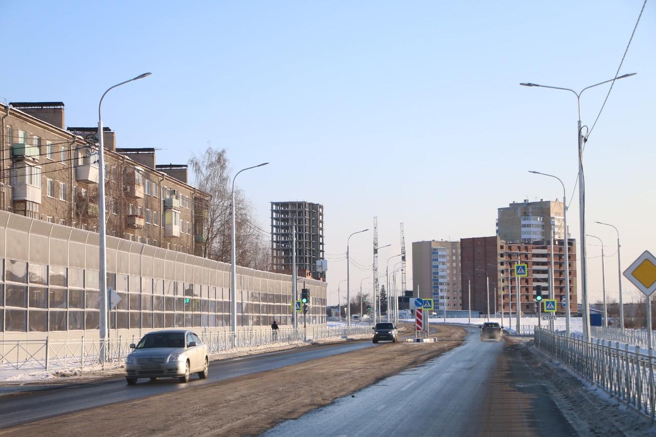 Новая «дорога за миллиард» в Омске пропускает слишком мало автомобилей #Омск #Общество #Сегодня