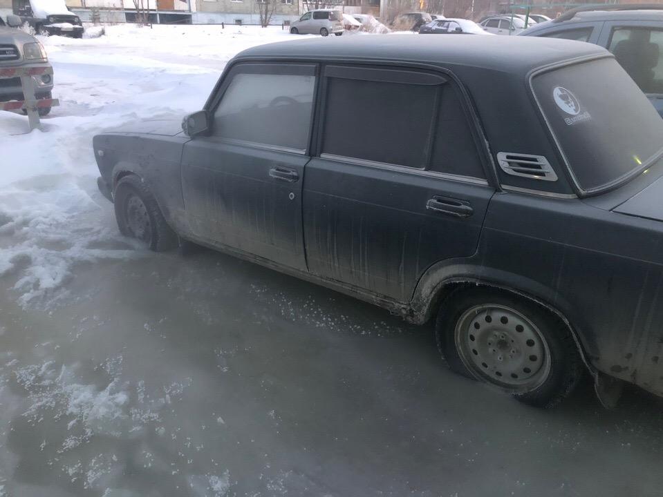Парень из Ставрополья, проезжая мимо Омска, угнал «семерку» #Новости #Общество #Омск