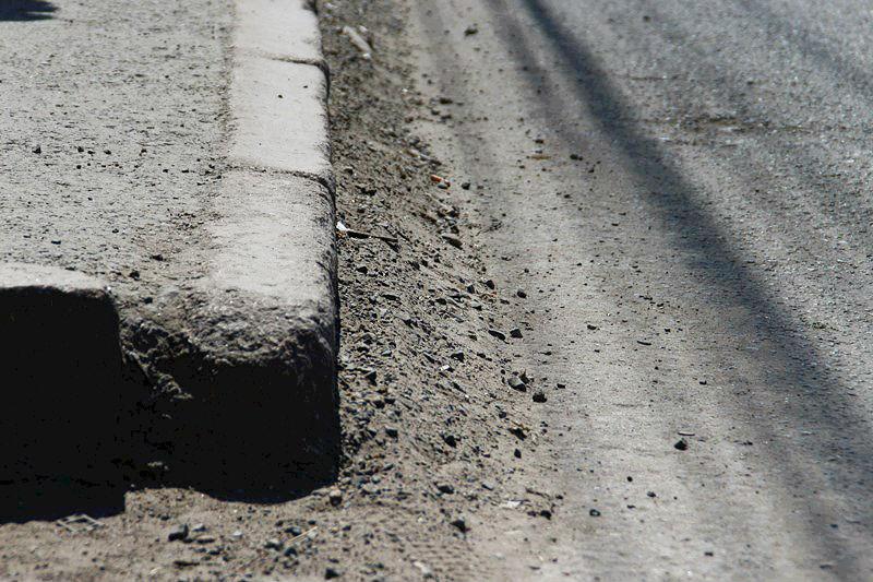 Омские дорожники начали чистить улицы от грязи #Новости #Общество #Омск