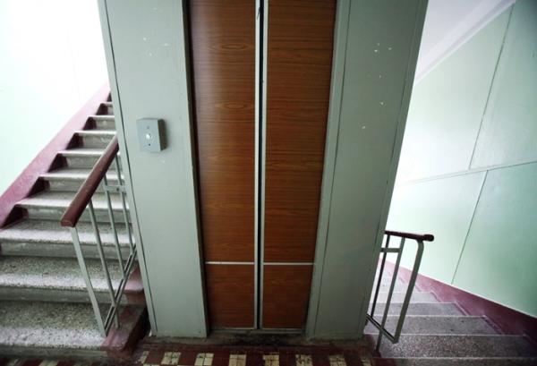 В этом году в 44 многоэтажках Омска заменят 153 лифта #Омск #Общество #Сегодня