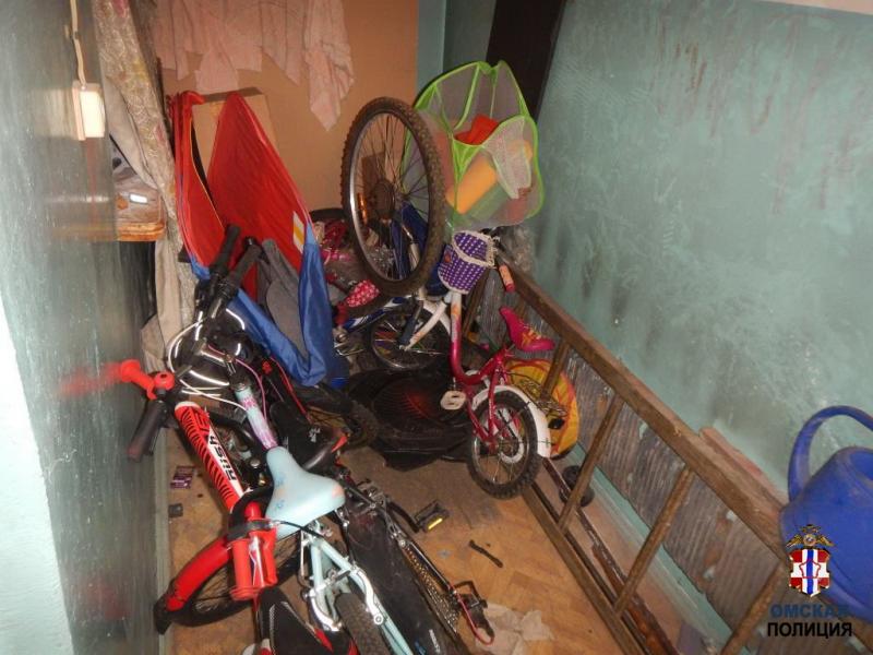 Омич украл из одного и того же подъезда 4 велосипеда и продал их на рынке #Омск #Общество #Сегодня