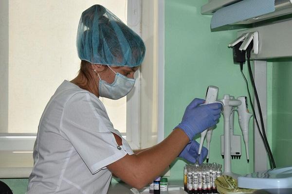 К концу недели заболеваемость коронавирусом в Омской области снова пошла вверх #Новости #Общество #Омск