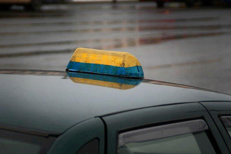 Наркоман из Омской области забрал у таксиста машину и угнал мотоцикл #Новости #Общество #Омск