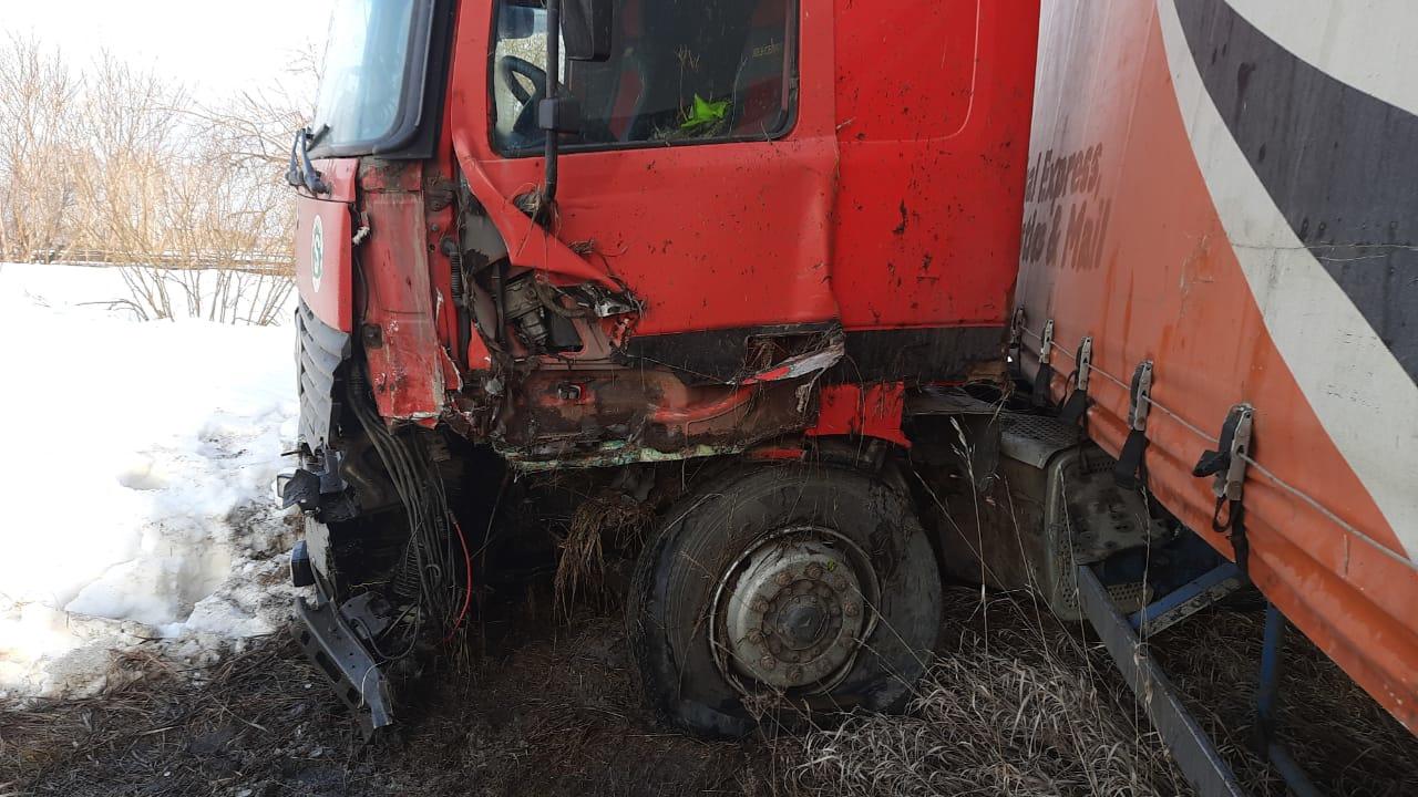 В ночном ДТП на омской трассе погиб водитель «Лады-Калины» #Омск #Общество #Сегодня
