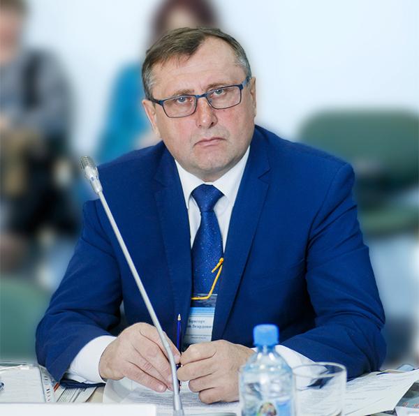 В Омске хотят открыть фермерский рынок со своим фудкортом