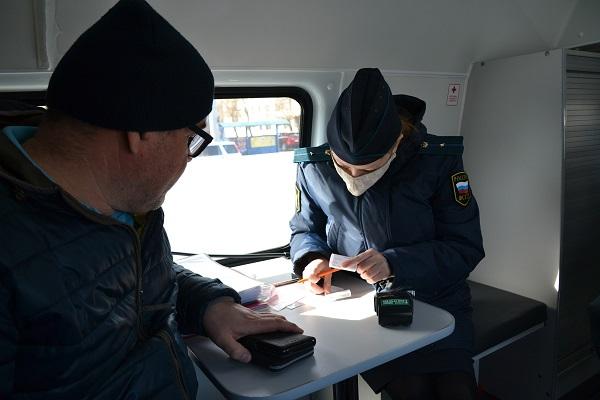 У омича арестовали машину за чужой 15-миллионный долг #Новости #Общество #Омск