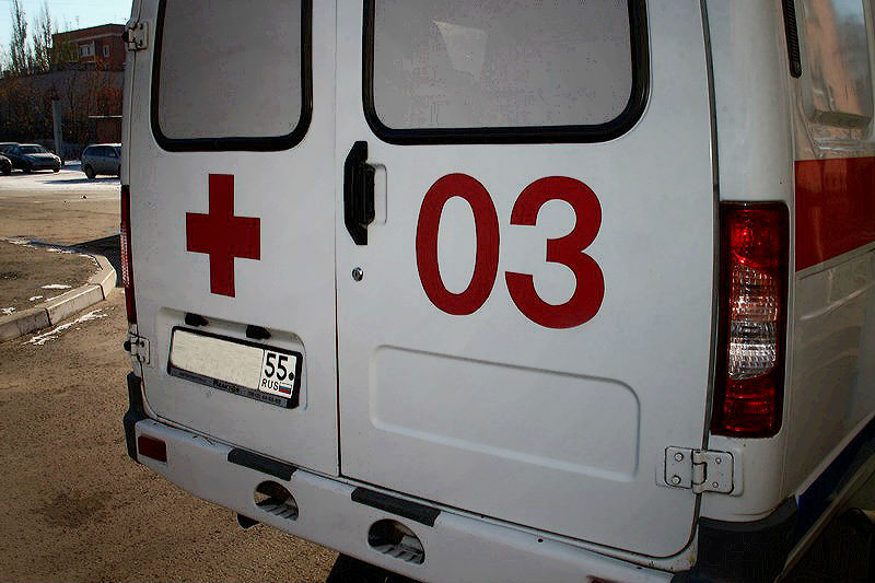В Омске грузовик сбил школьницу, переходившую дорогу по «зебре» #Новости #Общество #Омск