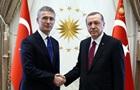 Эрдоган и Столтенберг обсудили стягивание войск РФ к Украине
