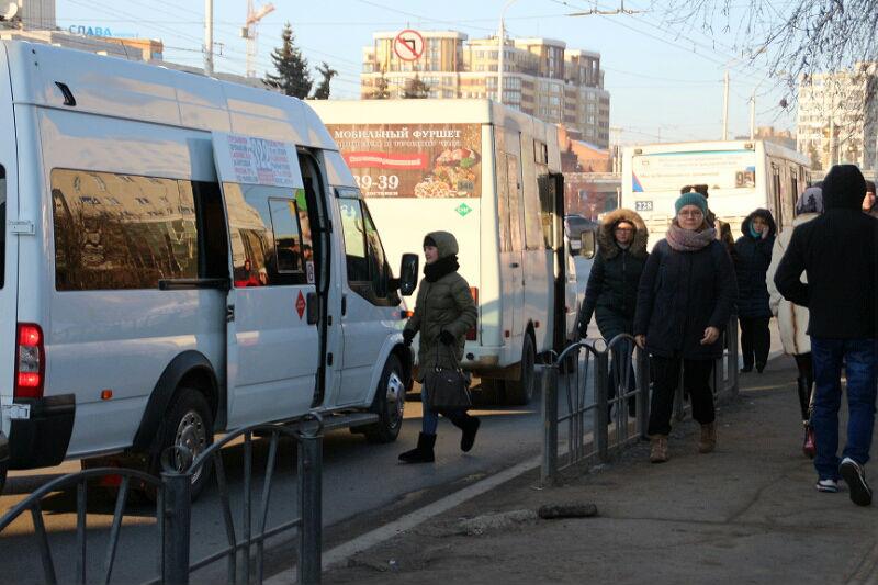 Нерегулируемые маршрутки будут еще год кататься по Омску #Омск #Общество #Сегодня