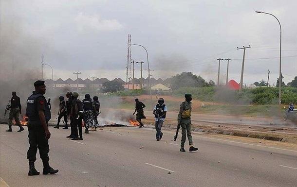 """В Нигерии боевики """"Боко Харам"""" убили 18 человек"""