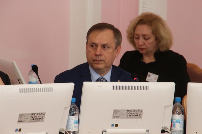Омский депутат признался, что в соцсетях ему пишут «нехорошие слова» #Новости #Общество #Омск