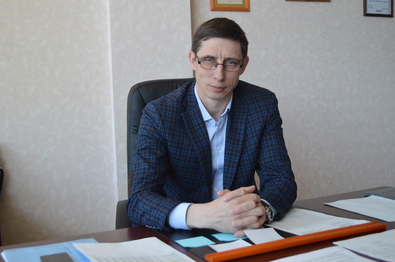 Попавший в ДТП глава омского депспорта уже проводит совещания #Новости #Общество #Омск