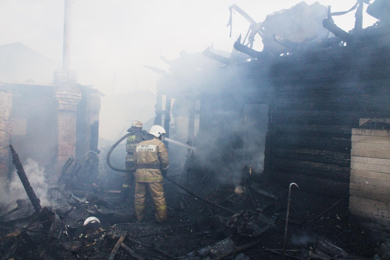 Частные дома на Московке тушили больше 5 часов #Омск #Общество #Сегодня