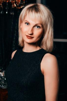 Яркая блондинка стала главой села в Омской области #Омск #Общество #Сегодня