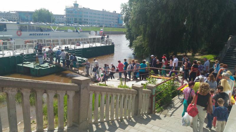 Бурков подтвердил запуск 2 маршрутов теплохода из Омска #Новости #Общество #Омск