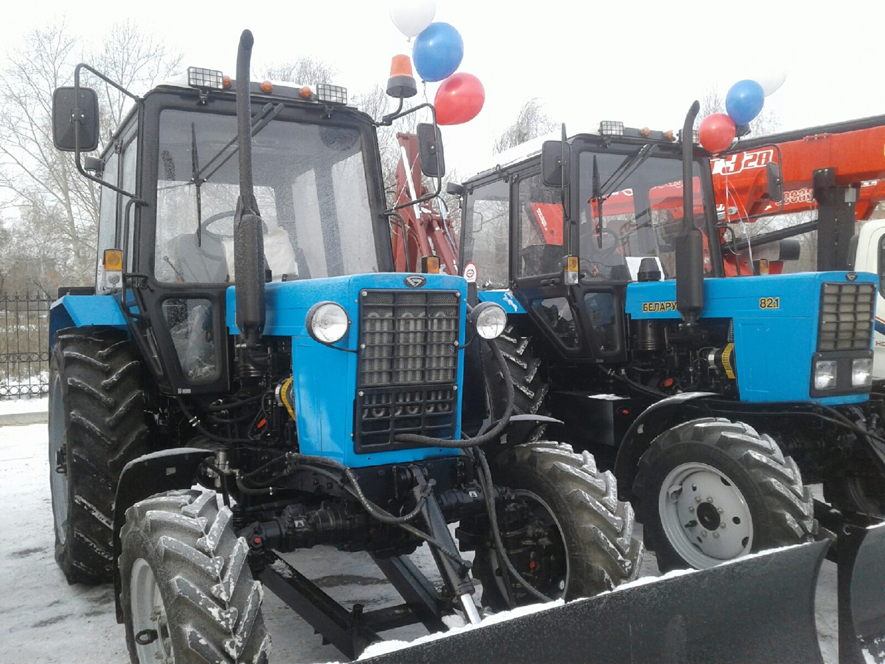 Омская семья выставила на продажу трактор и пожалела об этом #Омск #Общество #Сегодня