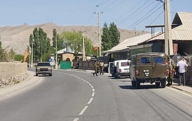 В Кыргызстане заявили о гибели 13 человек при конфликте на границе