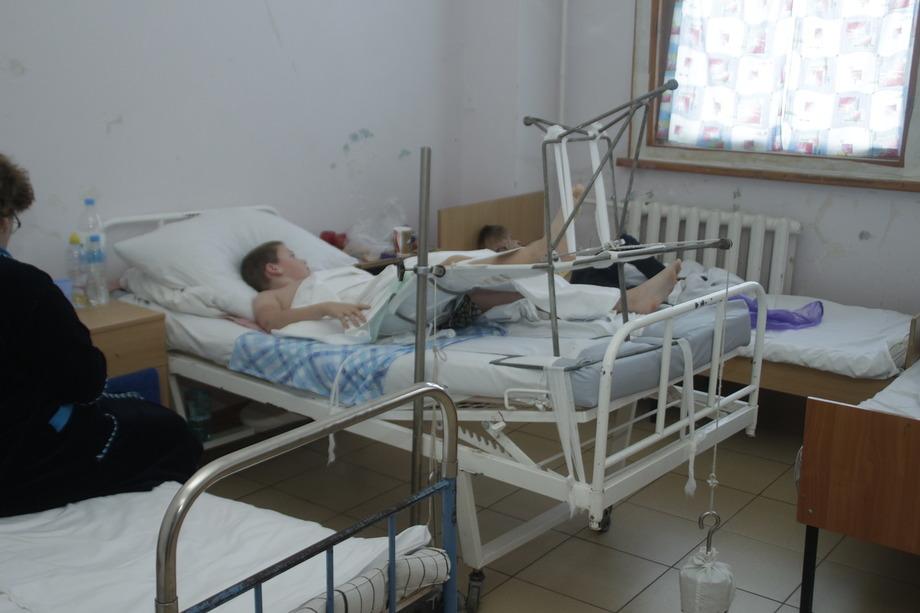 В Омске каждый день 2-3 ребенка ломают позвоночники на батутах #Омск #Общество #Сегодня