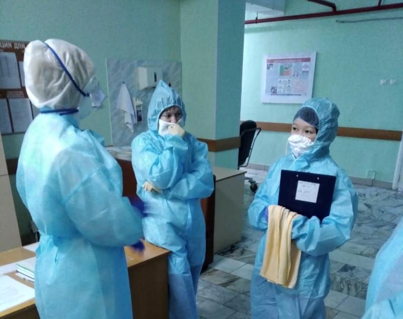 За сутки в больницы попали лишь 11 омичей с коронавирусом #Новости #Общество #Омск