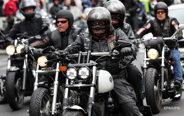 В Германии на акцию протеста собрались 7,5 тысячи мотоциклистов