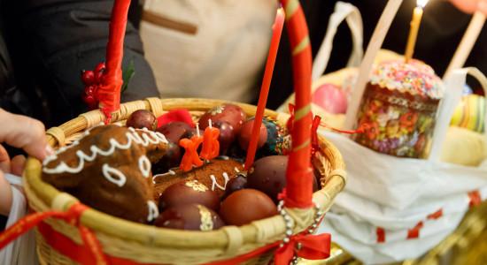 Омичи празднуют Пасху: 50 дней поста кончились #Новости #Общество #Омск