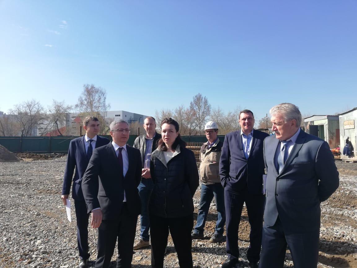Фадина признала, что в Больших Полях срывают сроки строительства садика #Омск #Общество #Сегодня