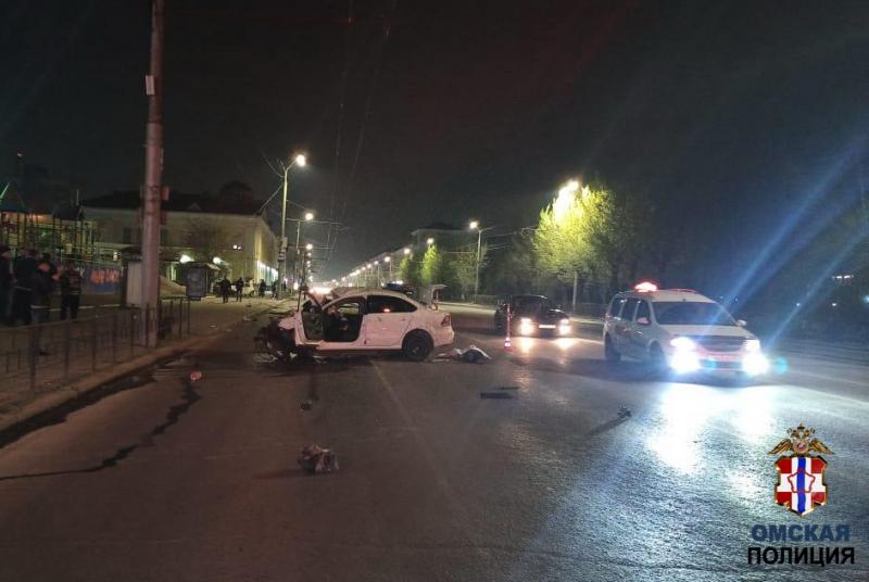 Страшное ДТП в центре Омска: машины всмятку, есть жертвы #Омск #Общество #Сегодня