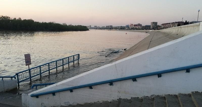 В центре Омска из Иртыша достали тело утонувшего мужчины #Новости #Общество #Омск