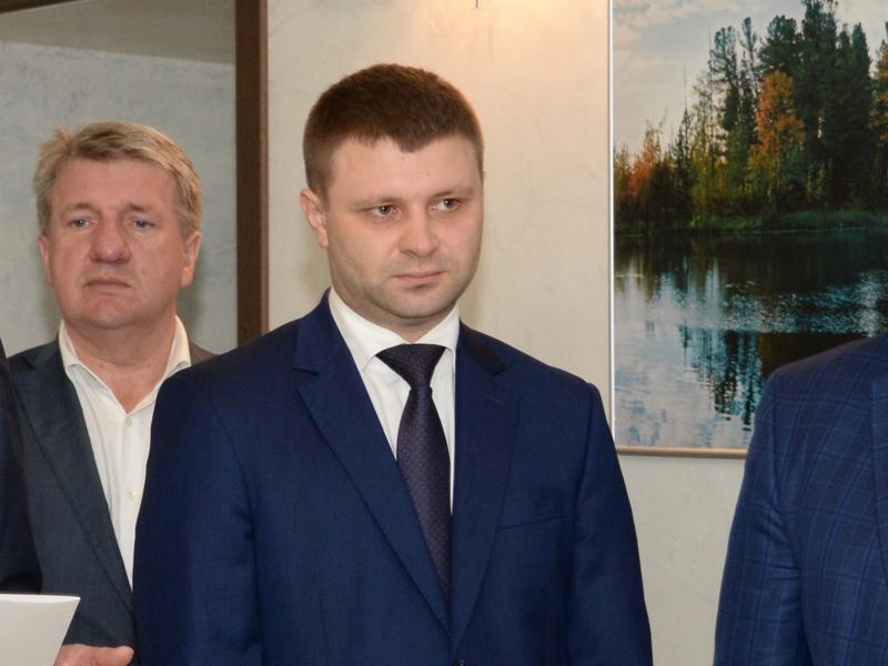 Девять членов омского правительства «обеднели» за «ковидный» год #Омск #Общество #Сегодня